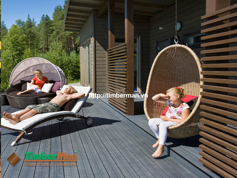 Ban công tắm nắng, nghỉ ngơi cho cả nhà