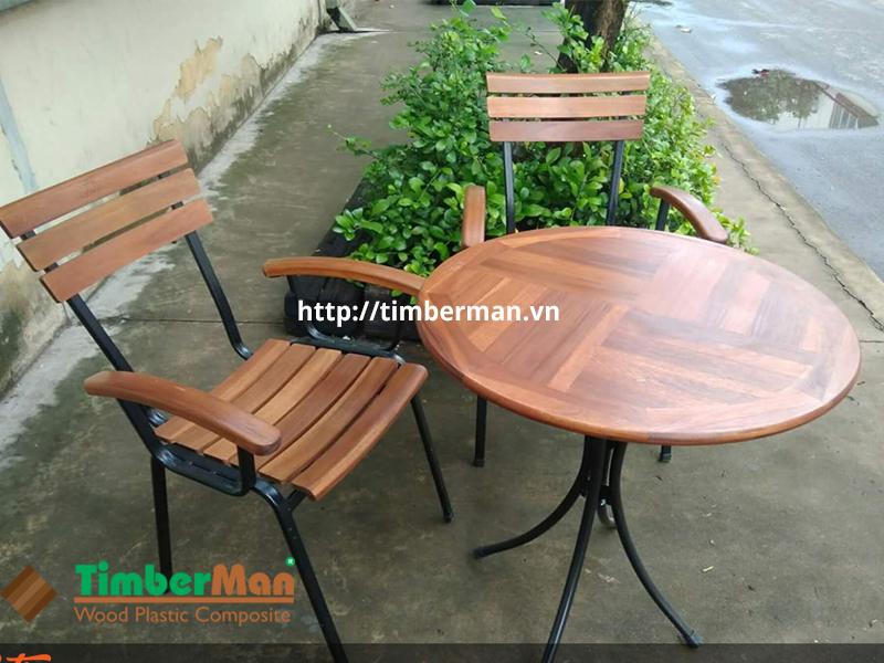 Bàn ghế gỗ nhựa ngoài trời được phân phối bởi Janhome
