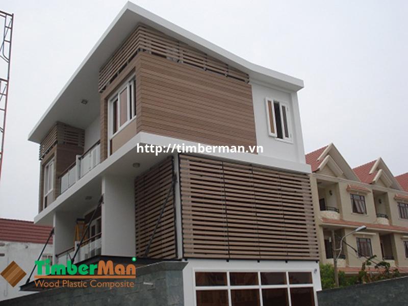 Lam gỗ che nắng giúp bảo vệ ngôi nhà khỏi các tác nhân gây hại từ bên ngoài